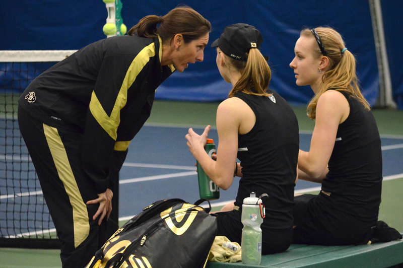 Women's tennis loses to Wyoming