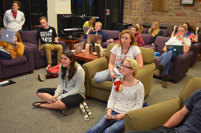 CU students await 2012 Presidential Election results