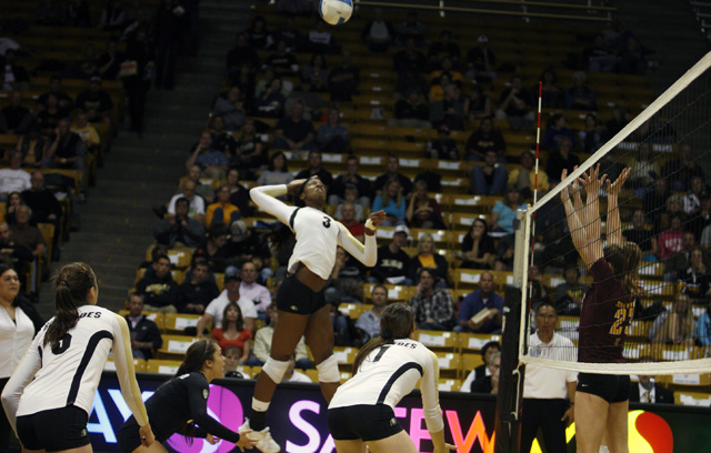 Freshman Alexis Austin adds growth to the volleyball team