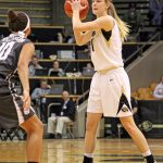 Colorado junior Lexy Kresl looks for a teammate to pass to. (Maddie Shumway/CU Independent)