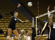 Women's volleyball finds trouble at Creighton Classic