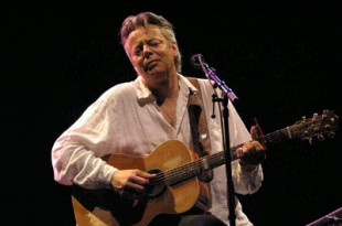 Tommy Emmanuel. (Wiki Commons/Nicolas Duvivier)