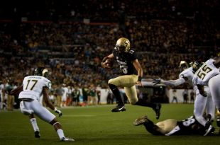Senior quarterback Sefo Liufau rushes for a first down during the Buffs' 44-7 win over the CSU Rams during the Rocky Mountain Showdown at Mile High on Sept. 2, 2016. (Robert Hylton/CU Independent)