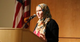 "G. Willow Wilson answers questions from an audience of CU-Boulder community members at her talk, ""Islam in Comics,"" on Sept. 22, 2016. (Lucy Haggard/CU Independent)"