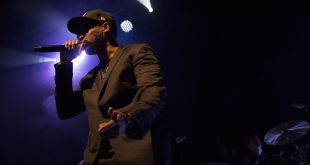 RZA preforms on stage at Fox Theatre Oct. 4, 2016. (Gabriel Kelly/CU Independent)