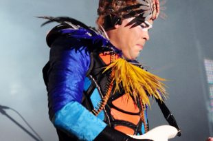 Empire Of The Sun at Wellington Square on Sept. 27, 2009. (Courtesy of WikiCommons)