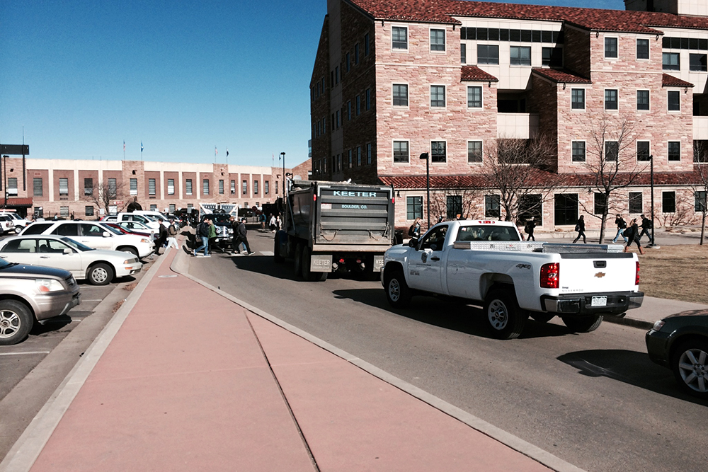 Traffic congestion builds up by Benson Earth Sciences.  (Adam Bell/CU Independent)