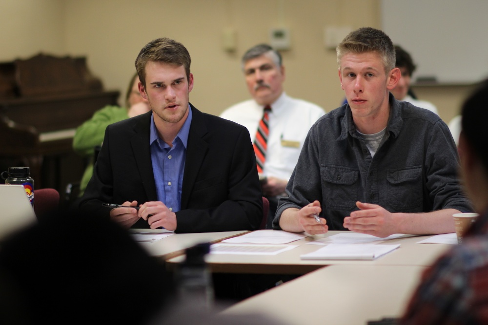 CUSG Finance board members meet to discuss budget Feb. 26, 2014. (Matt Sisneros/CU Independent)