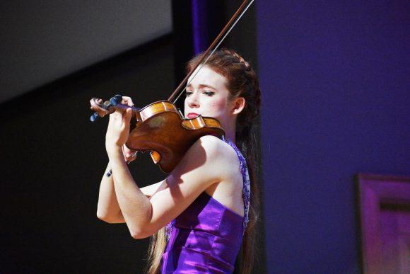 "Violinist Chloé Trevor performs mashup of ""Four Seasons"""